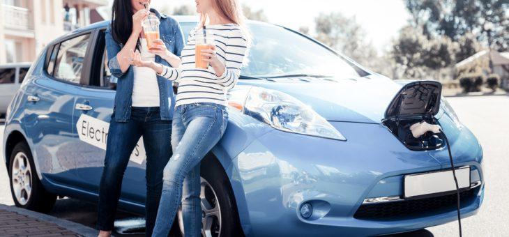 Dags att köpa elbil och ta körkort